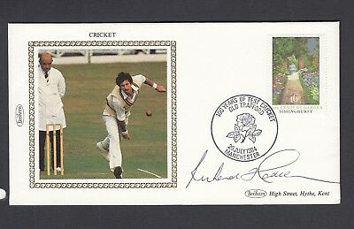 Sir Richard Hadlee signed 1984 Benham Small Silk Cricket FDC