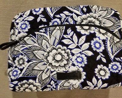 d9906afceb6d VERA BRADLEY ICONIC Large Cosmetic bag in Snow Lotus -  19.99