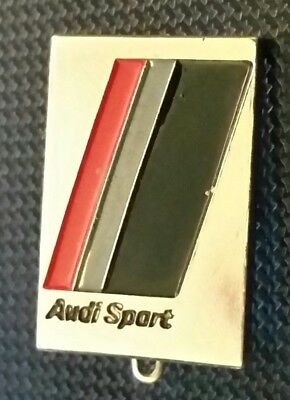 Audi Brooch Sports Varnished 80er Years - Dimensions 0 5/8x0 15/16in