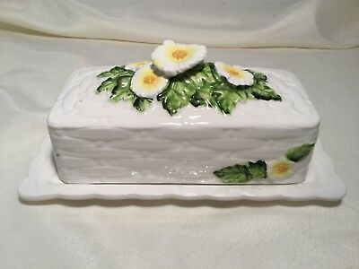 Lefton Rustic Daisy Ceramic Basket Weave Flowers, Butter Dish #4466