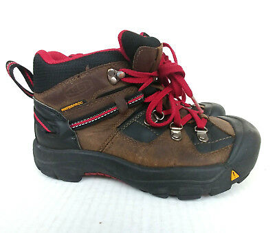 Keen Boots Youth Boys Size 2 Lace Up Walking Shoe Hiking Outdoor Toe Stop Vibram
