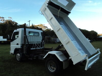 2007 Ex Council Tipper MITSUBISHI CANTER 12 MONTHS REGO 7/800 TURBO 6500 GVM