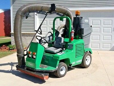 2016 Tennant ATLV 4300 Ride On Vacuum (((Only 122 Hours!)))