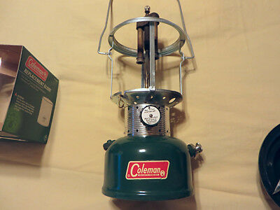 Vintage USA 1965 Coleman 220F Green Dual-Mantle Lantern w/NEW Mantles & Globe