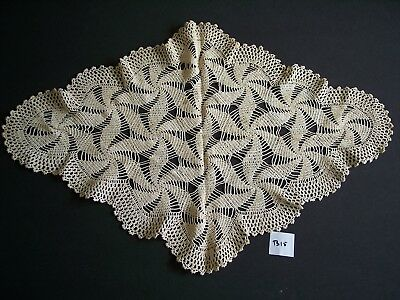 Beautiful Vintage Hand Made Needle Knotted Lace Crochet Table Doilies Doily