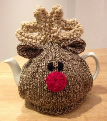 Hand knitted Christmas Reindeer tea cosy. To Fit A 4-6 Cup (2 Pint) Tea Pot