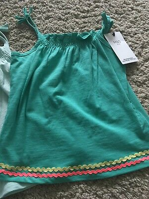 2 Marks And Spencers Green Vests BNWT Age 5-6