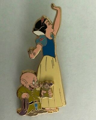 Disney Pin Snow White & Dopey Mickeys Super Trader Team LE 3D Limited Edition