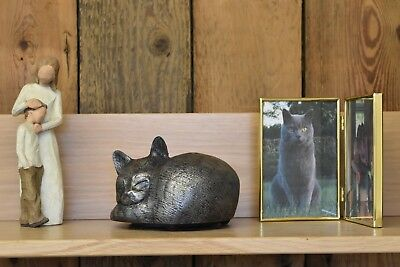 Cat Urn pet memorial casket store your cats ashes safely in the home - garden