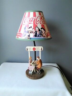 UNIQUE VTG Style Coca Cola Table Lamp - Works - VGC-Couple Sitting at Coke Stand