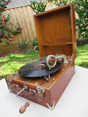 Vintage Gramophone Phonograph Dulcetto Portable   C1927  *Stunning Leather*