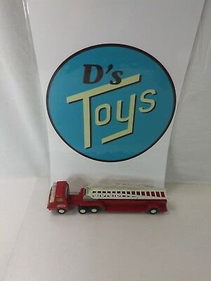 VINTAGE  1970s  TONKA  FIRE ENGINE LADDER TRUCK  RED IN COLOR 4-0 CONDITION