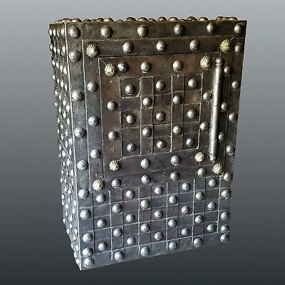 French studded Safe Strongbox - early 19th century