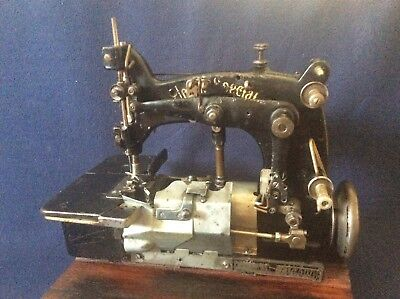 Vintage Union Special 15400 Z sewing machine Industrial