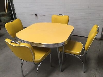 Vintage Antique Retro Formica/chrome Base Table With Four Chairs