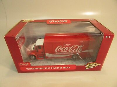 Johnny Lightning Coca Cola International 4200 Beverage Truck 1/24 scale