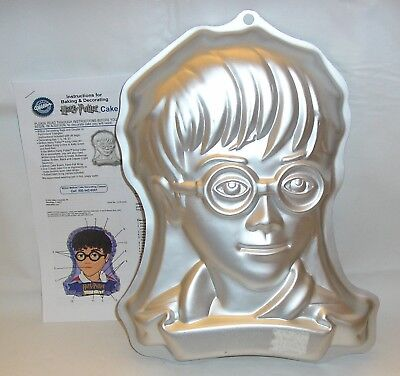 WILTON CAKE PAN Harry Potter ©2001 #2105-5000 + INSTRUCTIONS