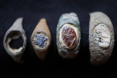 Collection of 4 Ancient Roman Finger Rings, c 150-350 Ad Bronze & Intaglio Glass