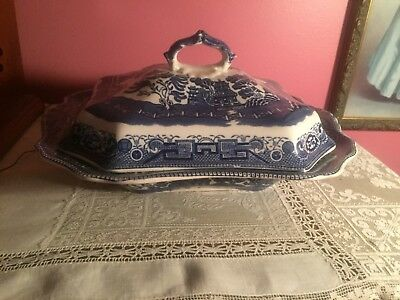 Antique Buffalo Pottery Blue Willow Covered Vegetable Dish