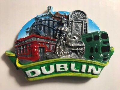 Dublin magnet with temple bar / Molly Malone / ha'penny bridge
