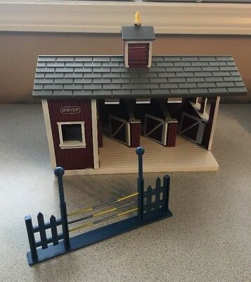 Breyer Stablemates Red Stable Kids Farm Toy Barn Pretend Play