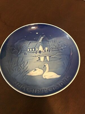 Jule Aften 1974 Christmas Copenhagen Porcelain B&G #9074 Collector Plate