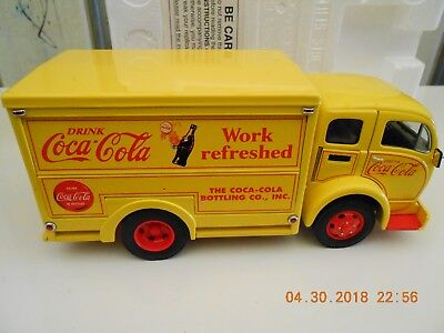 Danbury Mint 1/24 Die Cast 1955 White Cab Over Coca-Cola Delivery Truck