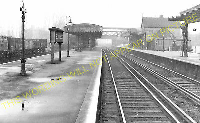 Elmer's End Railway Station Photo. Clock House to Woodside and Eden Park. (12)