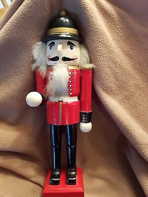 English Soldier Style14 inch tall Wooden Nutcracker
