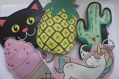 porte clef/porte monnaie/cactus/licorne/cup cake/cake/chat/ananas/chien