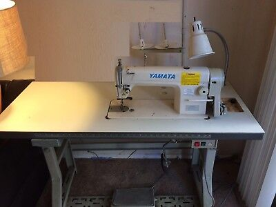 Yamata GC8500 Lockstitch Industrial Sewing Machine +Table LOCAL PICKUP ONLY
