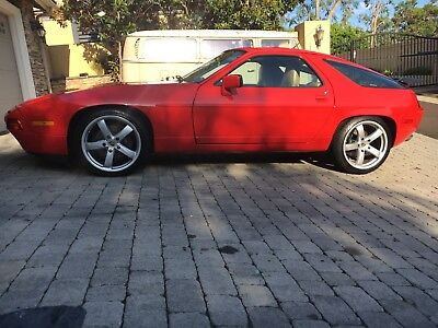 1989 Porsche 928 S4 - FUN TO DRIVE AND ENJOY 1989 PORSCHE 928 S4 - RARE 5-SPEED - EXTREMELY WELL MAINTAINED - RECEIPTS - COA