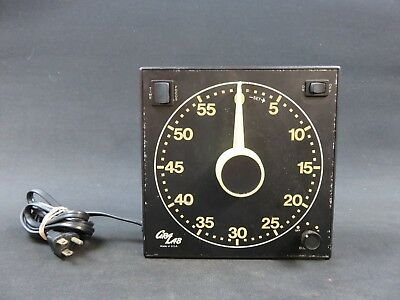 Safelight Gralab Timer Model 300 dark room timer glow in the dark dial and #s