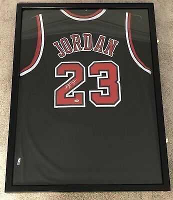 los angeles 1f7a3 b6c68 BRAND NEW HAND Signed Michael Jordan Jersey Framed