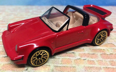Porsche 911 SC Targa 1997 Hot Wheels RED