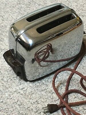 Vintage Toastmaster Pop Up Toaster 1950s 1960s nice works great!