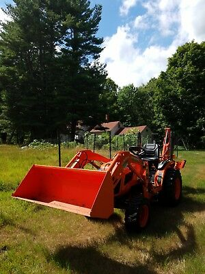 "2014 Kubota b2620, 4x4, 28hrs with 60"" mower, backhoe, front loader & chipper"