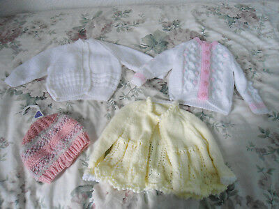 Knitted baby clothes bundle for girls