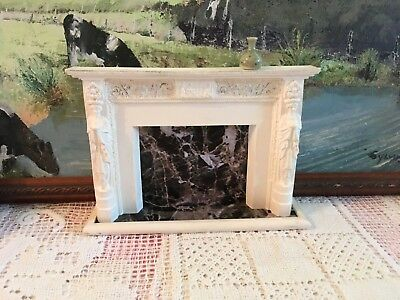 FIRE PLACE Antique Vintage Grecian MARBLE Look DOLLHOUSE 1:12 Miniature and VASE