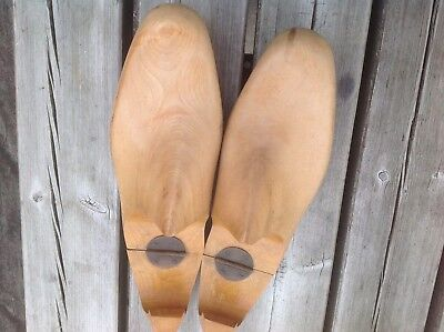 Vintage Wooden Shoe Trees, Gents, Size 8 lovely golden wood, round brass hinges