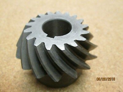"New Other, Boston Sh82-P Spiral Bevel Gear, 8 Pitch, 17 Teeth, 3/4"" Bore, Kywy."