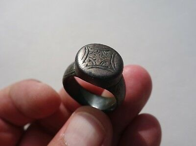 ancient late Roman / Byzantine solid bronze nicely carved ring,with cross