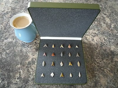 Miniature Neolithic Arrowheads x 20 in Display Case - 4000BC - (Q130)