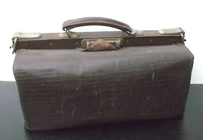 Collectable GLADSTONE leather kit bag
