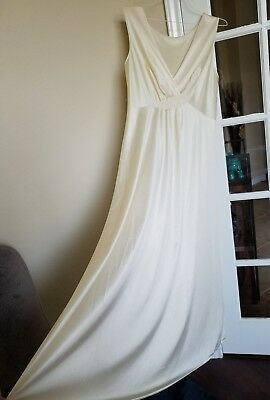 Vintage Vanity Fair Nightgown Plunging V Neck Butter Yellow Women's Large 38