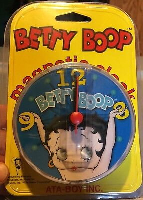 """Vintage BETTY BOOP CLOCK Magnetic 3"""" Round. NIP Awesome!!"""