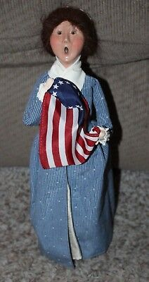 Byers Choice Colonial Woman The Carolers with Flag 2002 Historical Figurine