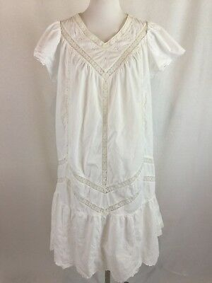 Vintage Saybury Size Medium White Cotton Nightgown V-Neck Lace Trim Embroidered