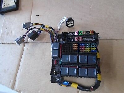 land rover defender 90 110 puma 2 2 2 4 tdci fuse box with fuses and relays