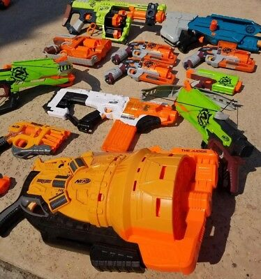 Huge NERF Lot of 13 guns  Zombie Strike Doomlands Longshot Judge Doominator